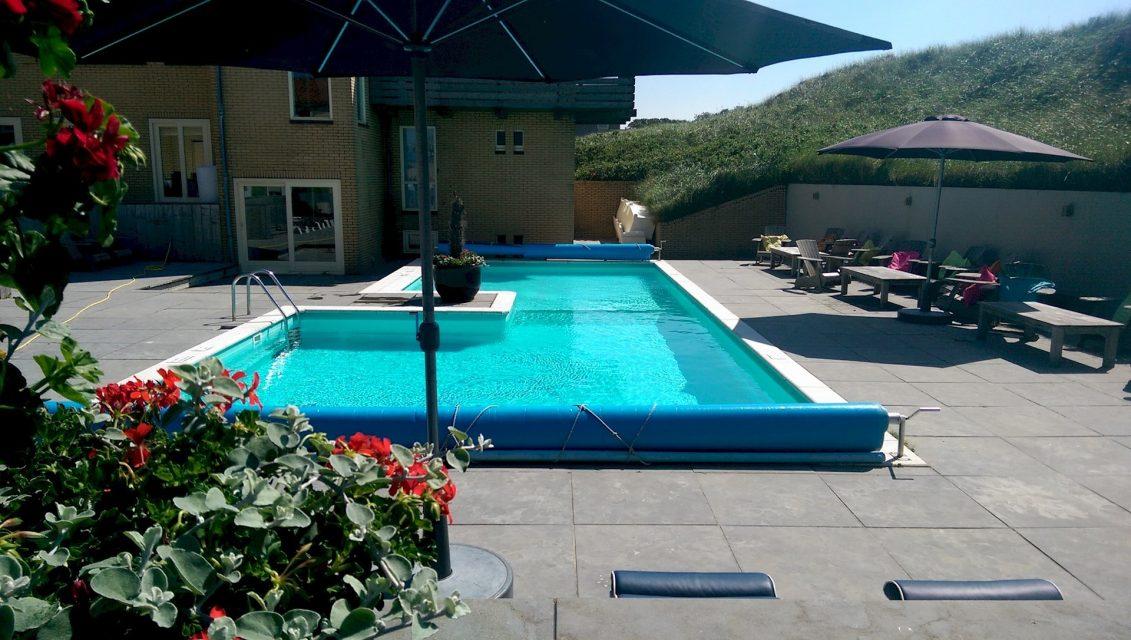 zwembad hotel bergen aan zee
